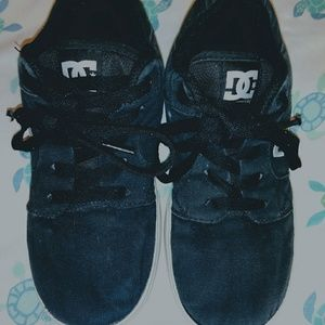 D.C. boys sneakers. Great condition!